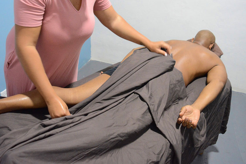 Massage Therapy Course Class Nassau Bahamas Male Mobile Spa Studio Massage Therapist Nassau Bahamas Paradise Island Atlantis Baha Mar Hotel Palm Cay Treasure Cove Airbnb Marina Cable Beach